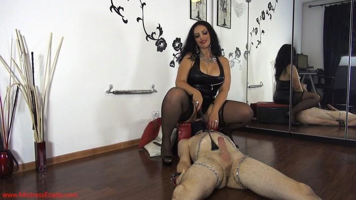 Mistress Ezada - Lucky to lick Mistress Ezada's ass