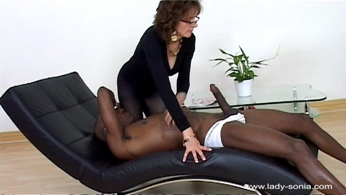 Lady Sonia - Fetish Pantyhose Secretary