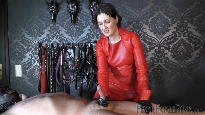 Lady Victoria Valente - Callous Cumming