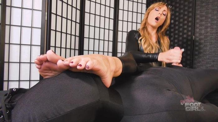 Bratty Foot Girls - Jenny Jett - Edging Feet in Face Handjob